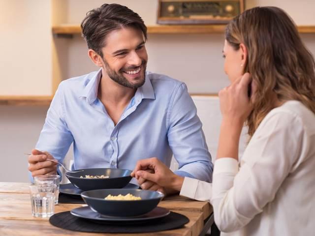 chodit s manželem po rozvodu randit s dívkou s bláznivým bývalým přítelem