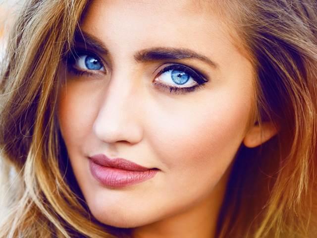 dfb3c8c86 Modré oči jsou opravdu sexuálně nejatraktivnější - | Bety.cz